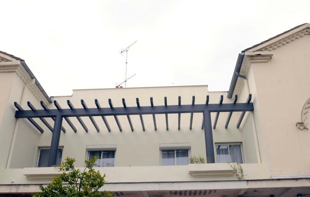 la pergola d 39 arcachon arcachon reserva tu hotel con viamichelin. Black Bedroom Furniture Sets. Home Design Ideas