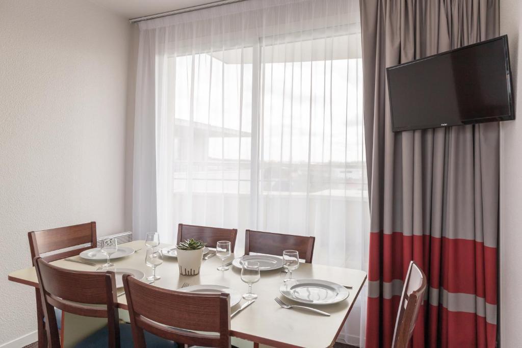 appart 39 city la rochelle r servation gratuite sur viamichelin. Black Bedroom Furniture Sets. Home Design Ideas