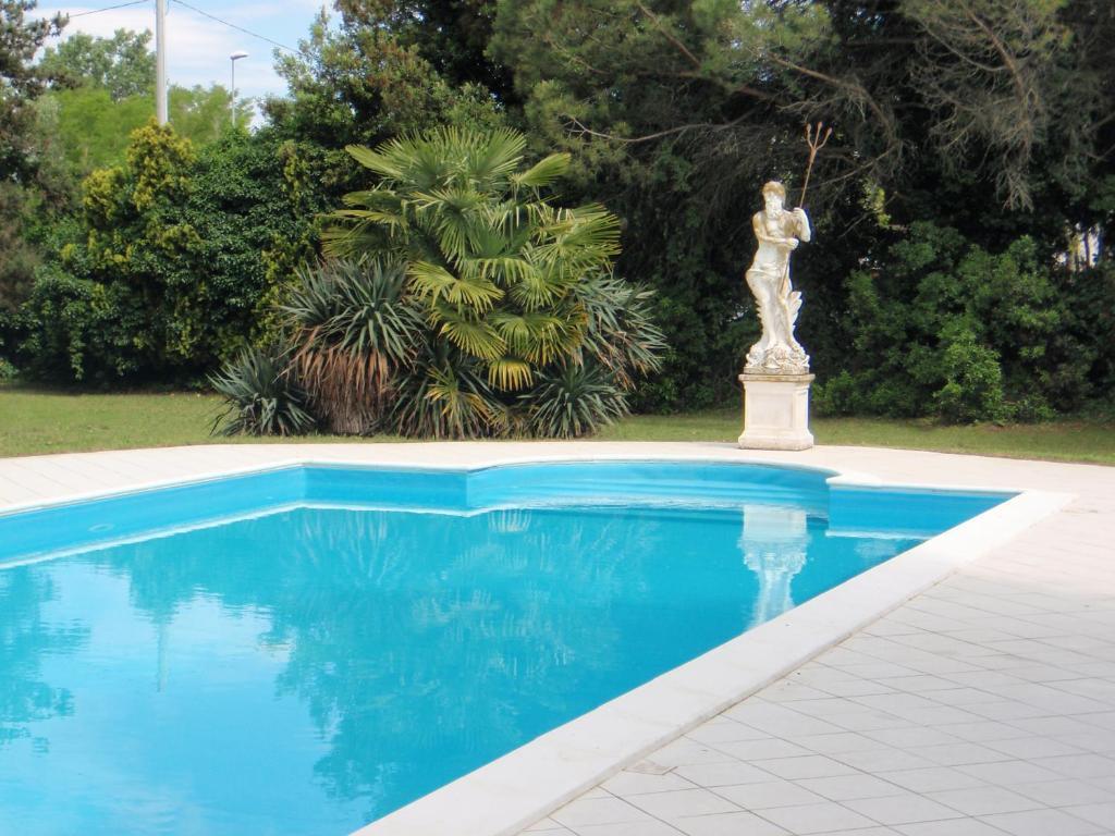 Villa carrer loreo prenotazione on line viamichelin - Piscina porto viro ...