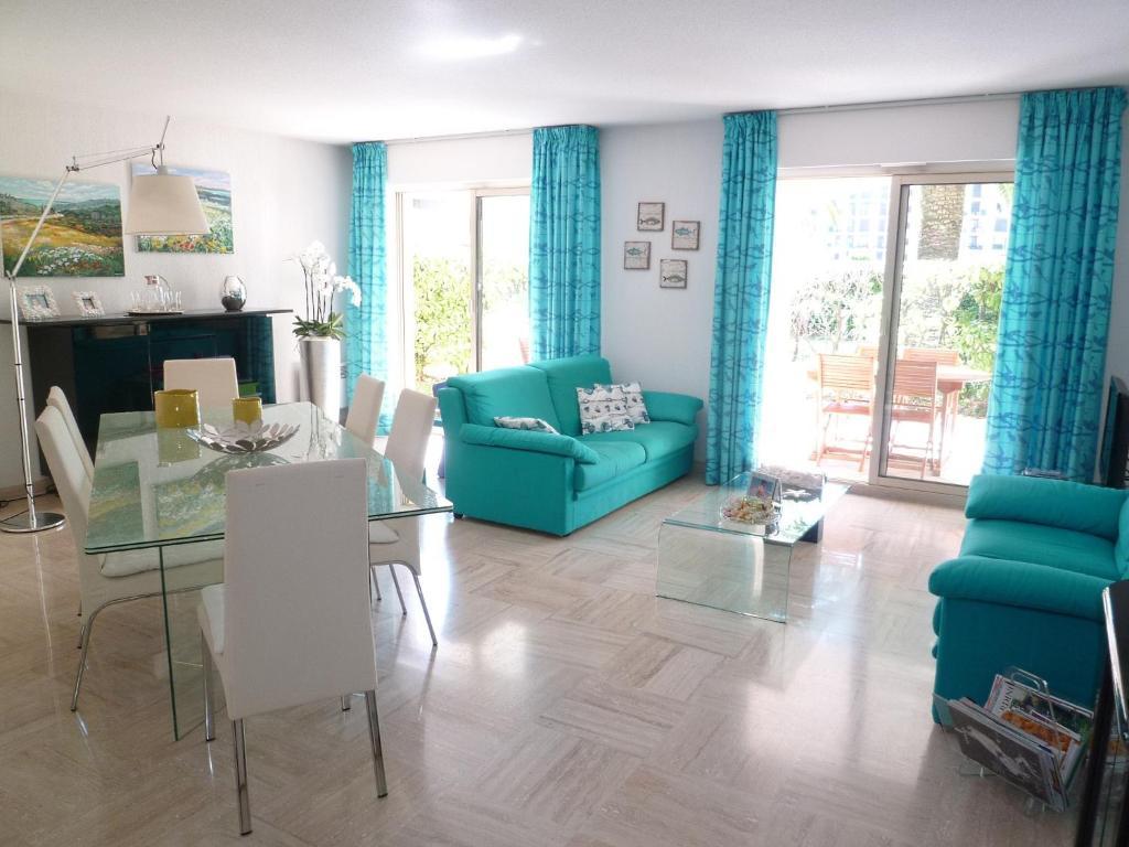 ... Ile De Cannes Marina III, Locations de vacances Mandelieu la Napoule