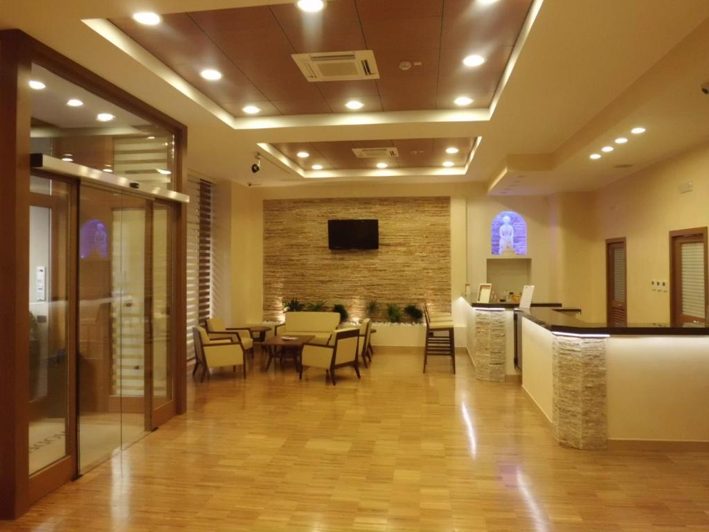 Hotel moderno bari online booking viamichelin for Hotel moderno madrid booking