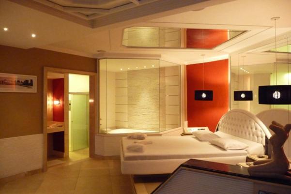 Motel escort adult only rio de janeiro brazil for Booking hoteles de lujo