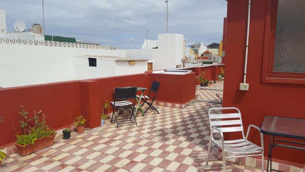 bed breakfast hostal 7 soles bed breakfast in las palmas de gran canaria spain. Black Bedroom Furniture Sets. Home Design Ideas