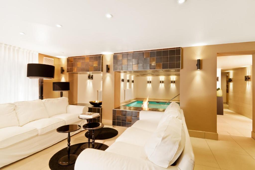 hotel zum taufstein sterbfritz book your hotel with. Black Bedroom Furniture Sets. Home Design Ideas