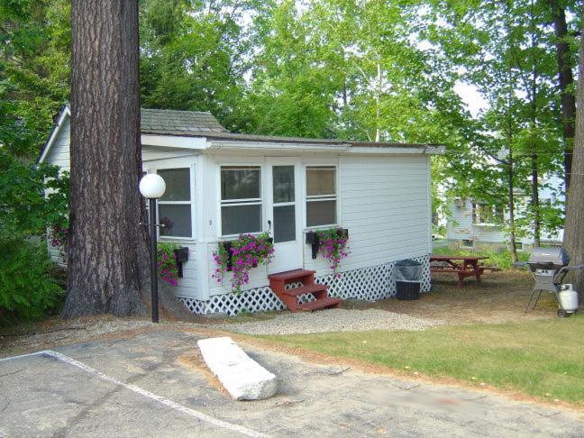 Weirs Beach Motel Amp Cottages Laconia Informationen Und