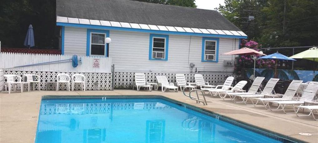 Weirs beach motel cottages laconia prenotazione on for Lazy e motor inn laconia nh