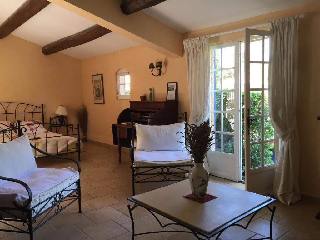 Bed & breakfast la ferme, kamers b&b saint marc jaumegarde