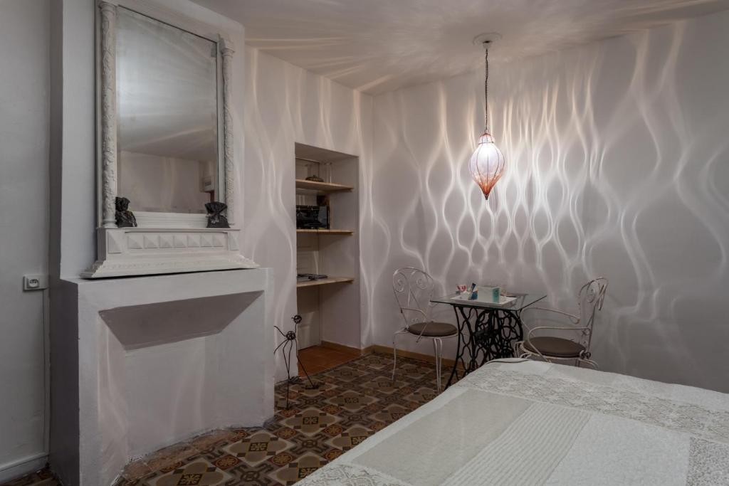Chambres d 39 h tes l 39 oustal chambres d 39 h tes usclas d 39 h rault for Chambre d hotes herault