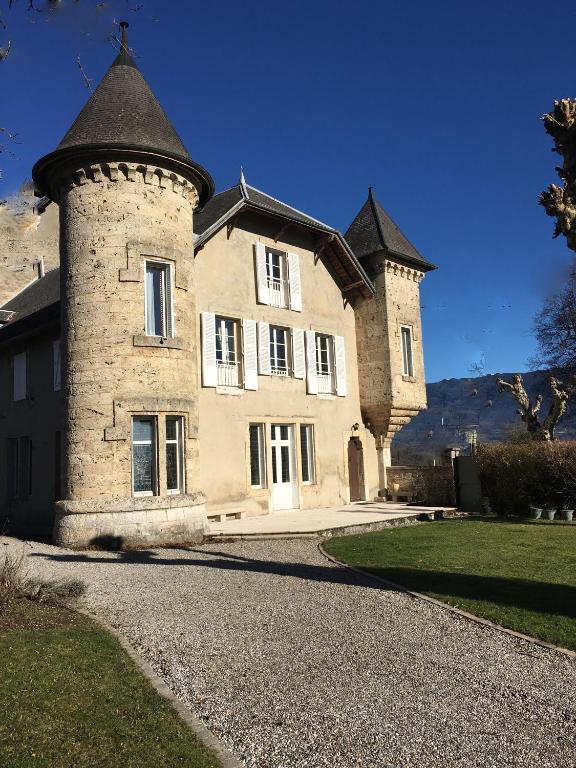 Chambres d 39 h tes domaine du valromey chambres d 39 h tes for Maison champagne en valromey