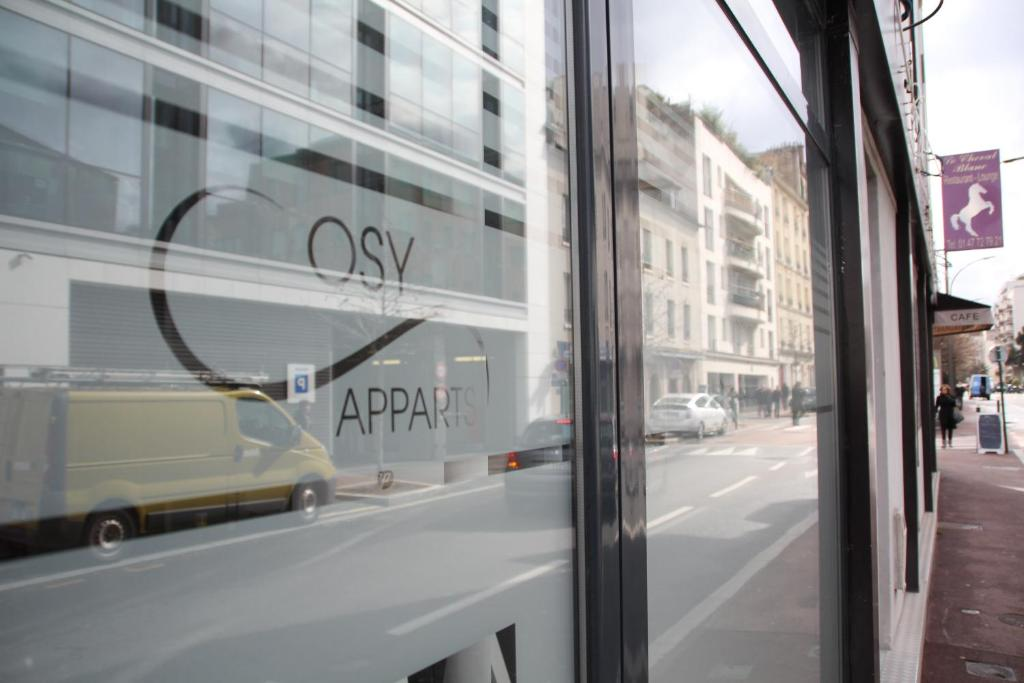Cosy apparts suresnes la d fense suresnes viamichelin informatie en online reserveren - 7 rue du port aux vins 92150 suresnes ...