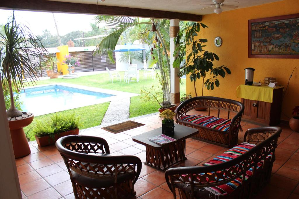 Hotel villas cuernavaca temixco reserva tu hotel con Jardin villa serrano cuernavaca