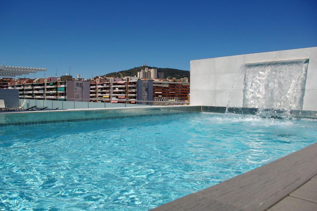 08028 apartments barcellona prenotazione on line for Barcellona albergo economico