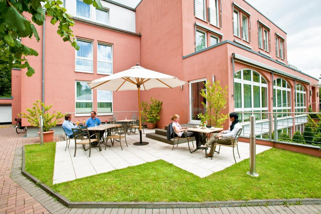 hotel barbarossa d sseldorf online booking viamichelin. Black Bedroom Furniture Sets. Home Design Ideas