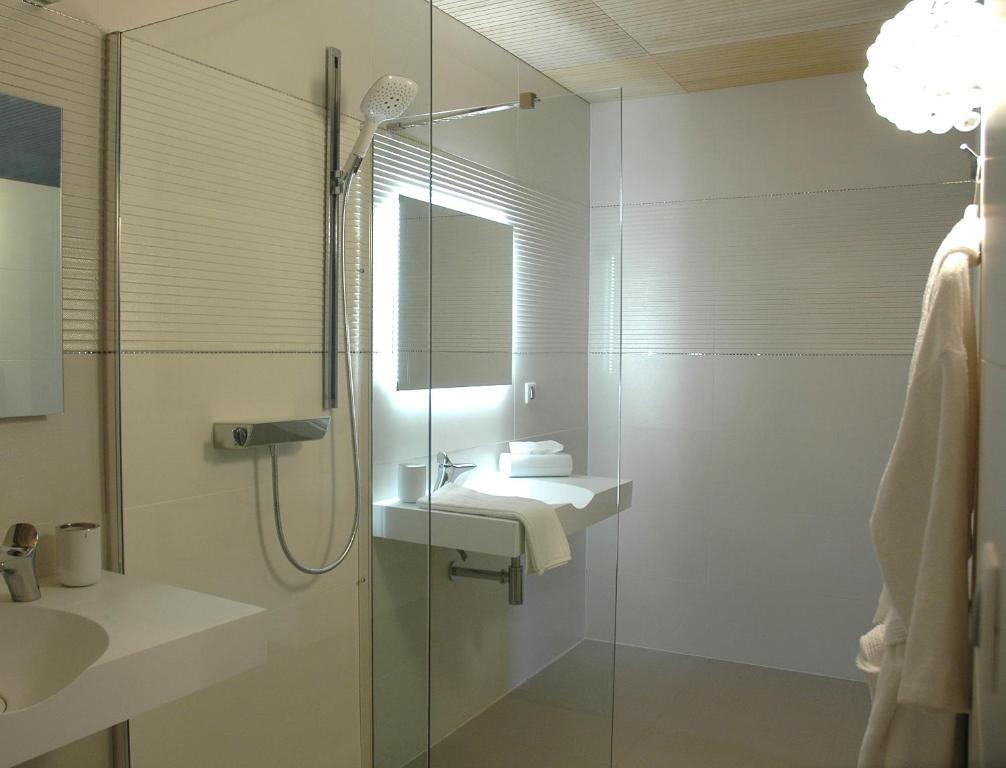bien loin d 39 ici spa b b r servation gratuite sur viamichelin. Black Bedroom Furniture Sets. Home Design Ideas