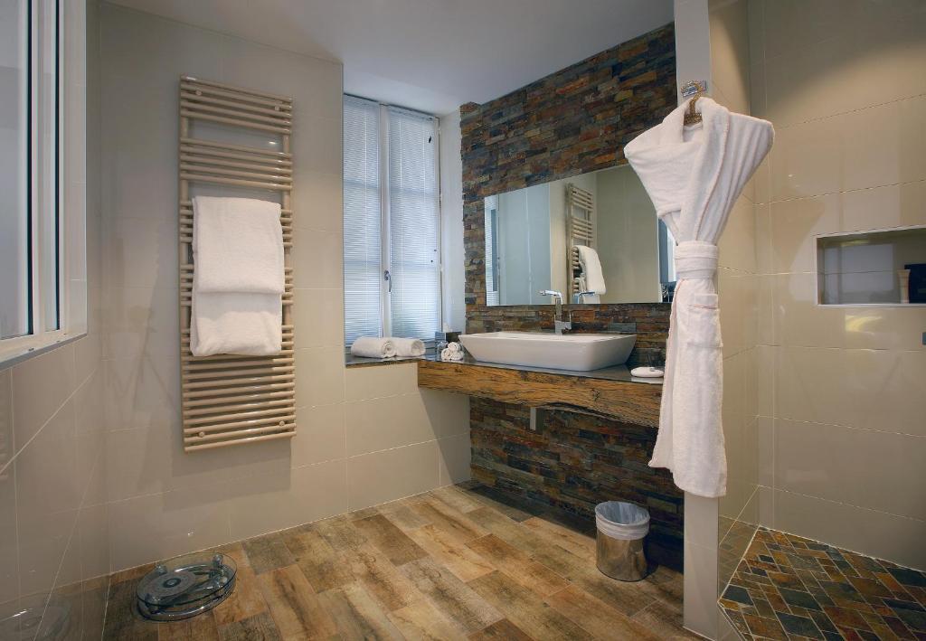 petit h tel confidentiel chamb ry prenotazione on line viamichelin. Black Bedroom Furniture Sets. Home Design Ideas