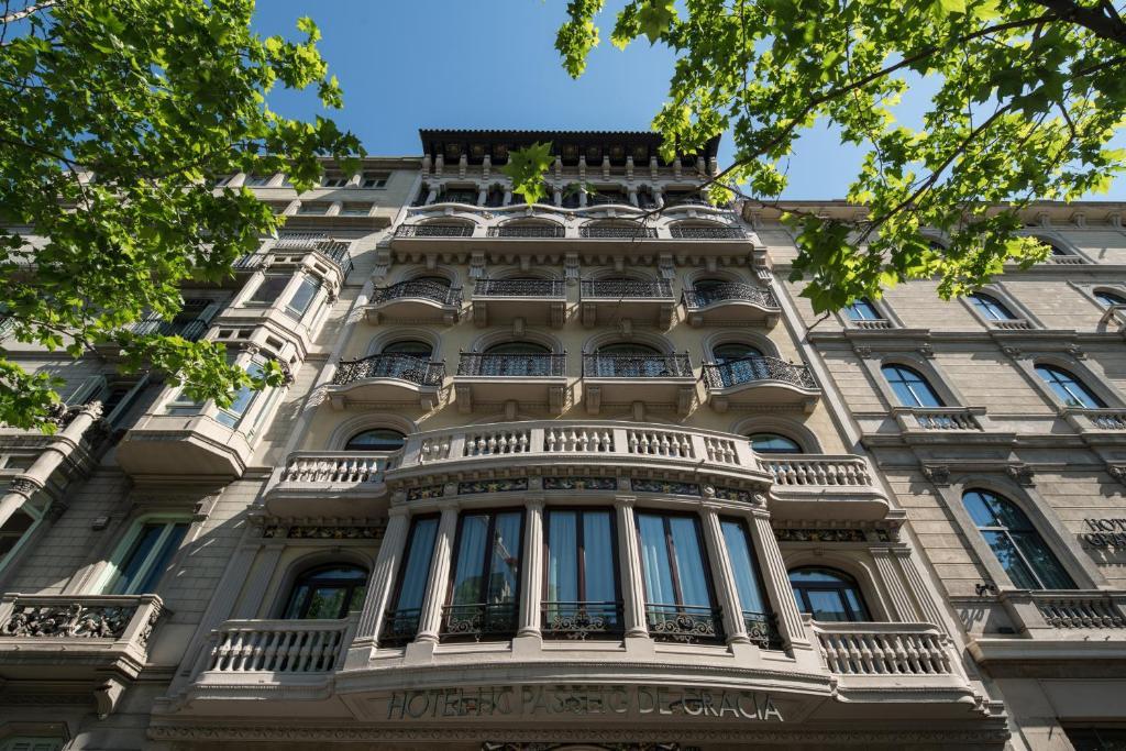 catalonia passeig de gr cia 4 sup barcelona book your hotel with viamichelin. Black Bedroom Furniture Sets. Home Design Ideas