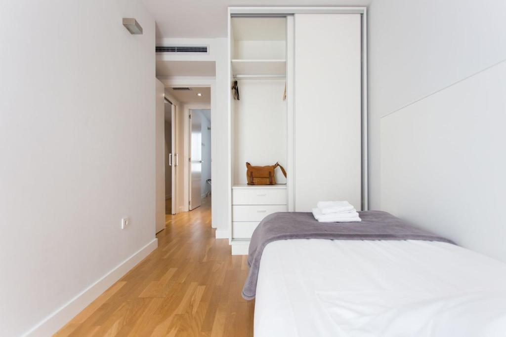 Valenciaflats catedral valencia reserva tu hotel con for Habitaciones familiares valencia