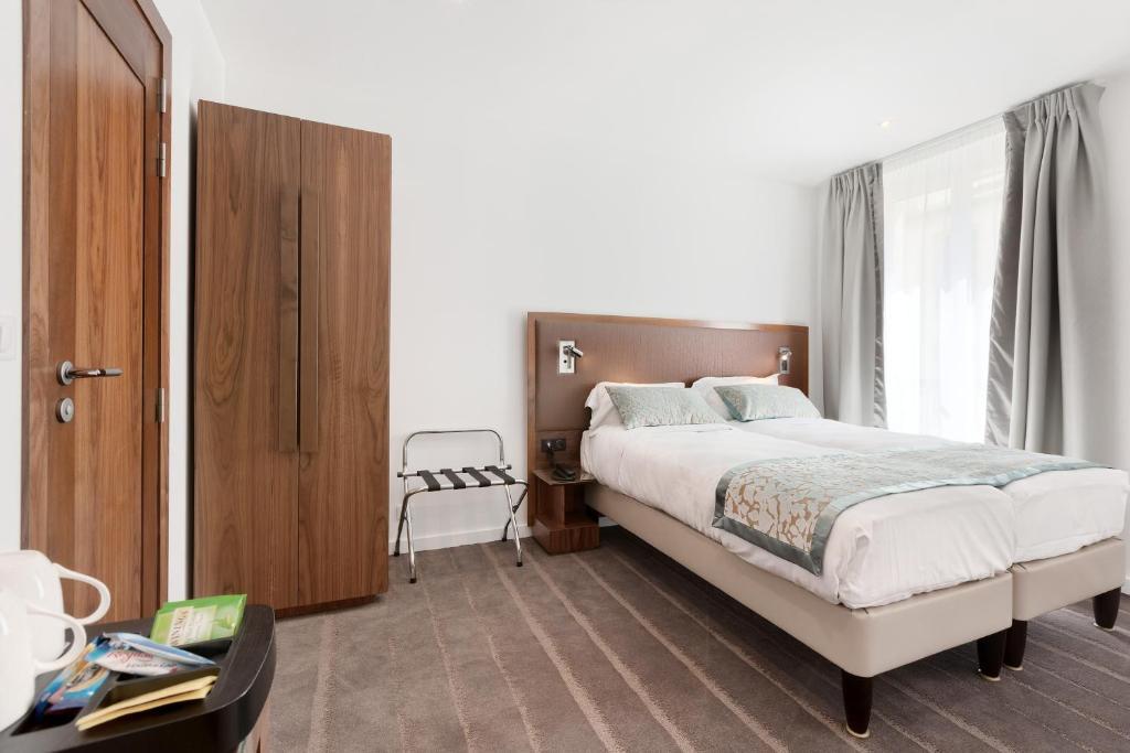 Le trente r servation gratuite sur viamichelin for Hotels 75017