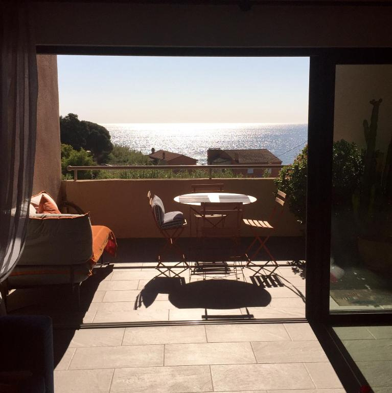 Appartement cap nioulargo appartement ramatuelle dans for Appart hotel dans le var