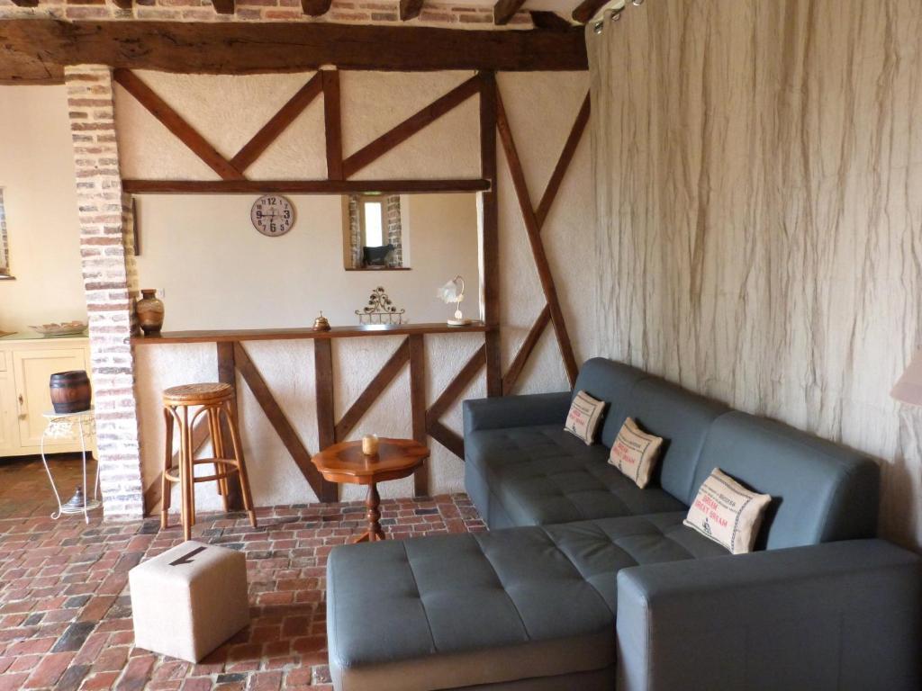 Gite du bois foucher l 39 aigle book your hotel with for Chaise dieu du theil