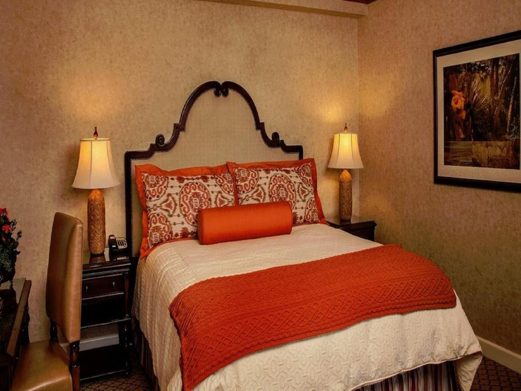 Casa Munras Hotel And Spa