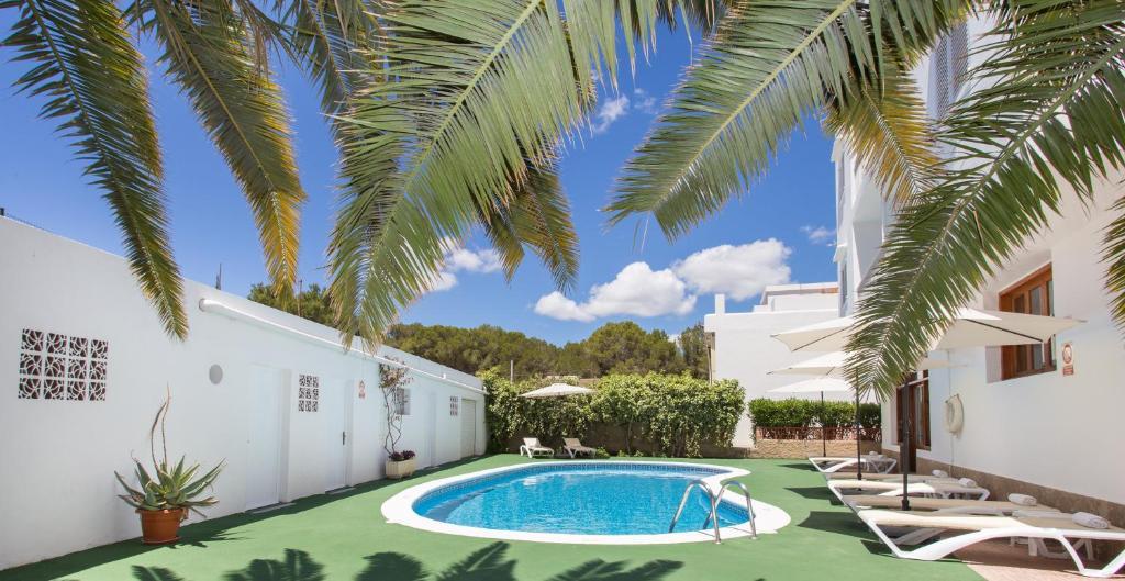 Apartamentos sof a playa ibiza santa eulalia del r o prenotazione on line viamichelin - Apartamentos sofia playa ibiza ...