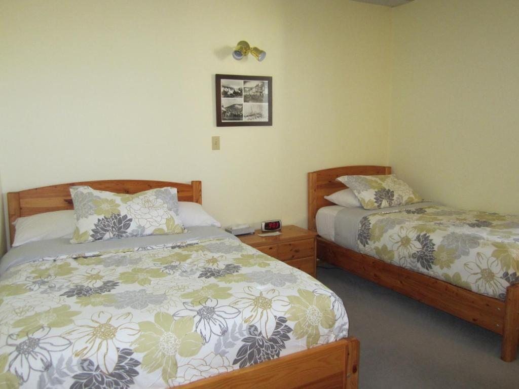 Dawson City Accommodation Bed And Breakfast