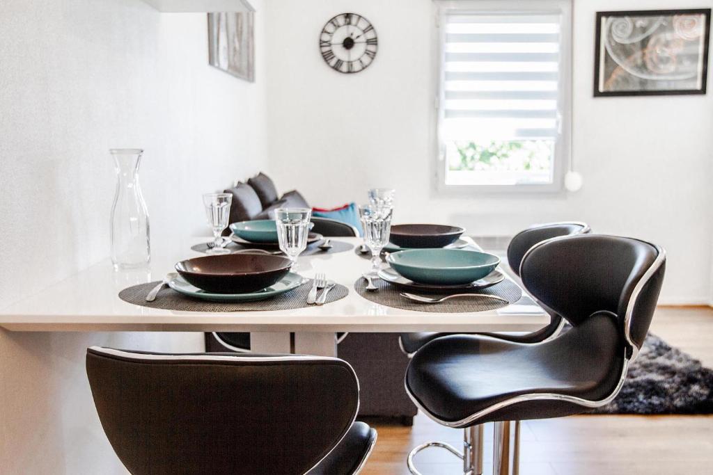 Appartement le d 39 este locations de vacances toulouse - Ustensiles de cuisine toulouse ...