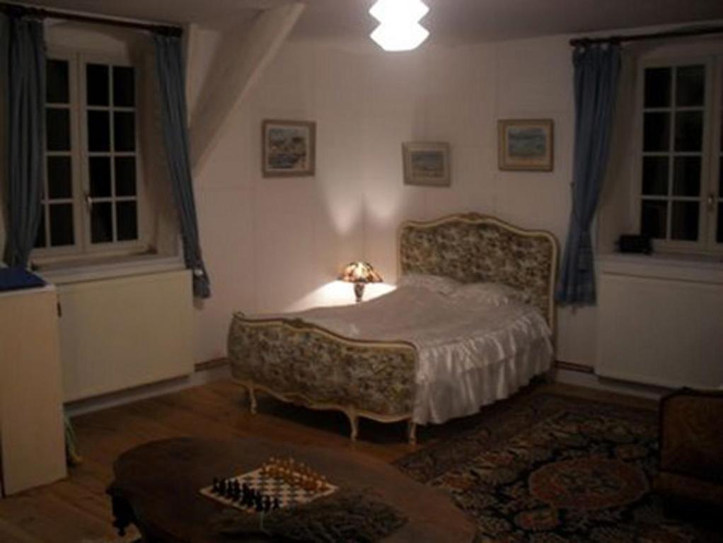 Chambre d 39 h tes ch teau de vignelles chambres d 39 h tes for Chambre d hote chateau thierry