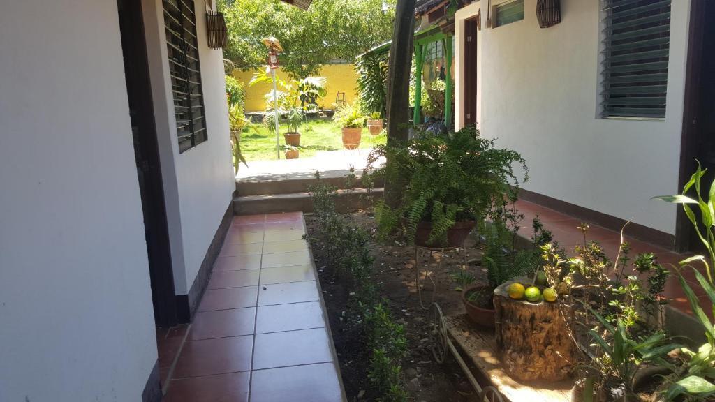 Hostal el jardin r servation gratuite sur viamichelin for Hostal jardin