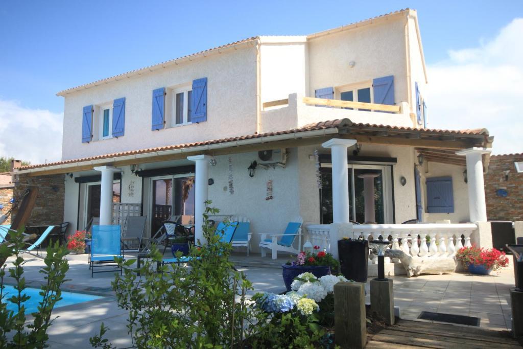 appartementen appart bleu azur holiday houses saint florent. Black Bedroom Furniture Sets. Home Design Ideas
