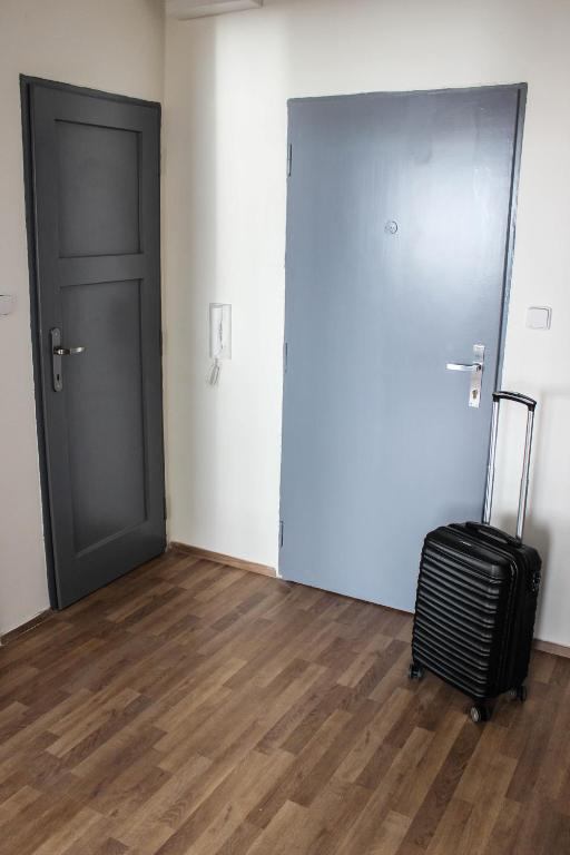Apartment tomino ii brno book your hotel with viamichelin for Design apartment udolni brno