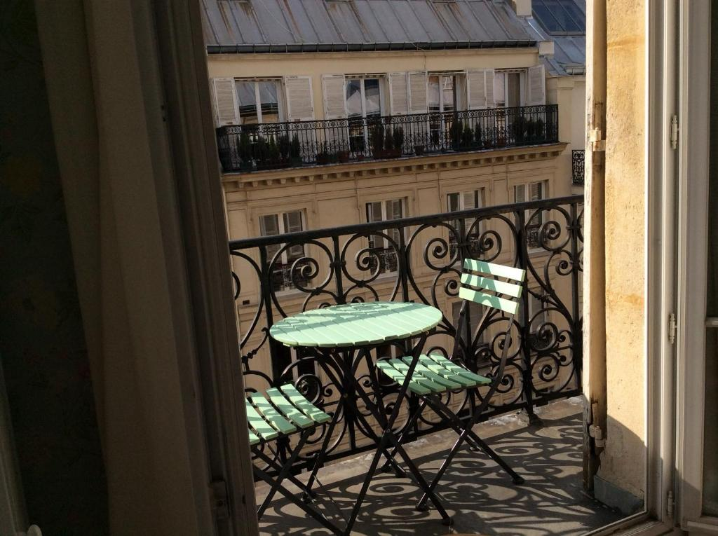 Bed and breakfast paris arc de triomphe r servation gratuite sur viamichelin - Boutique michelin paris ...