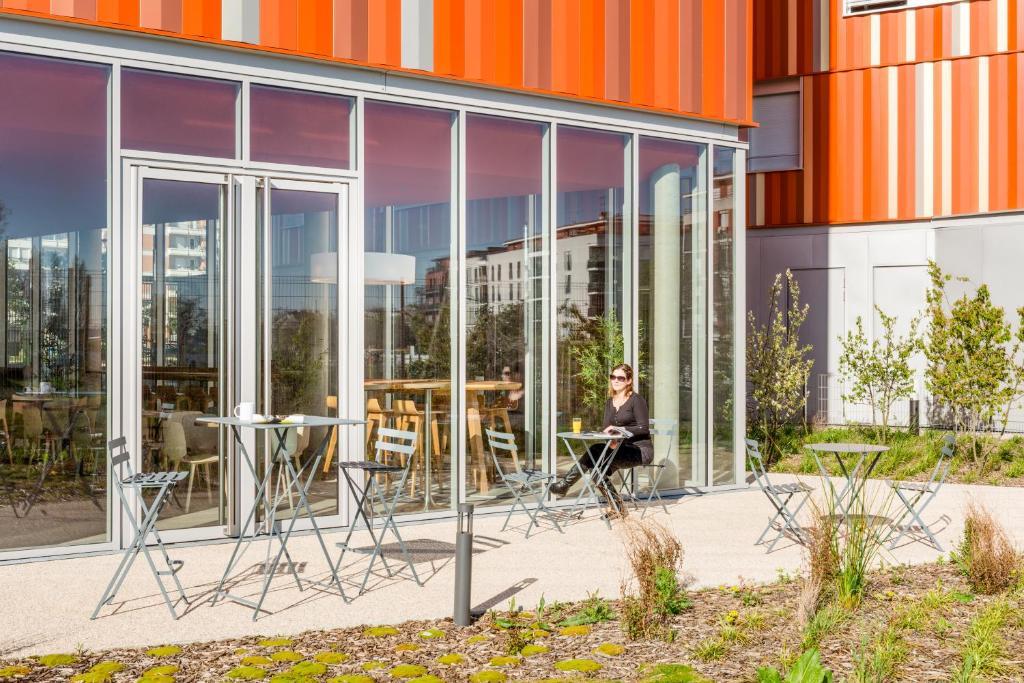 Aparthotel adagio access paris massy gare appart 39 hotels massy for Appart hotel massy