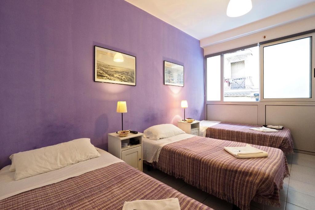 Hostal elkano barcelona reserve o seu hotel com for Hostal familiar barcelona