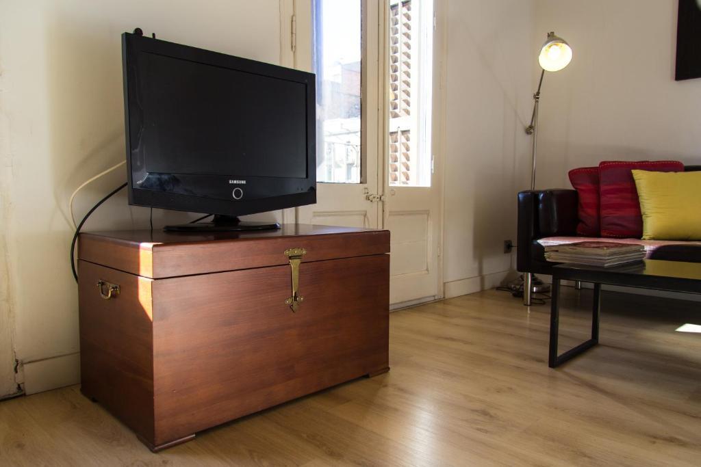 Apartamento ondina suites sagrada familia casas de - Apartamento barcelona vacaciones ...