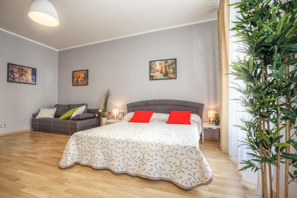 Modern apartment senovazne namesti 11 prague book your for 987 design hotel prague booking