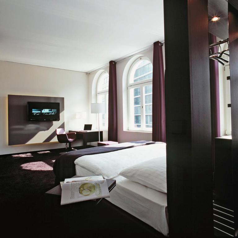 hotel cristall superior k ln informationen und buchungen online viamichelin. Black Bedroom Furniture Sets. Home Design Ideas