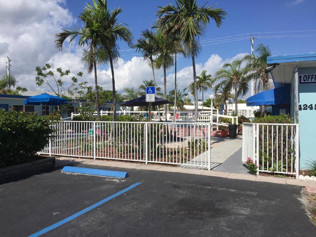 Dolphin Motel Hollywood Beach Fl