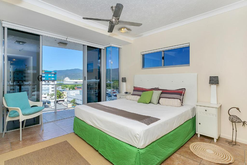 Centrepoint Apartments, Cairns, Australia - Booking.com
