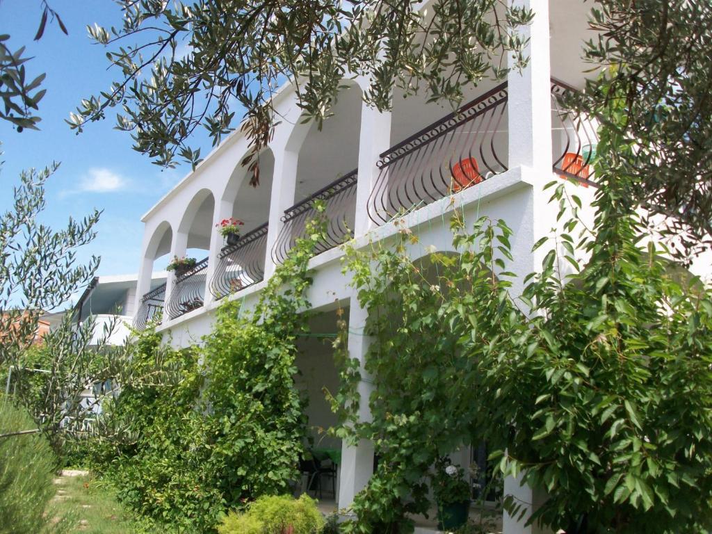 Olive Garden Apartments Marina Informationen Und