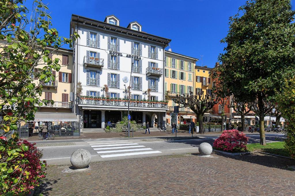 Hotel ancora verbania book your hotel with viamichelin for Ancora hotel
