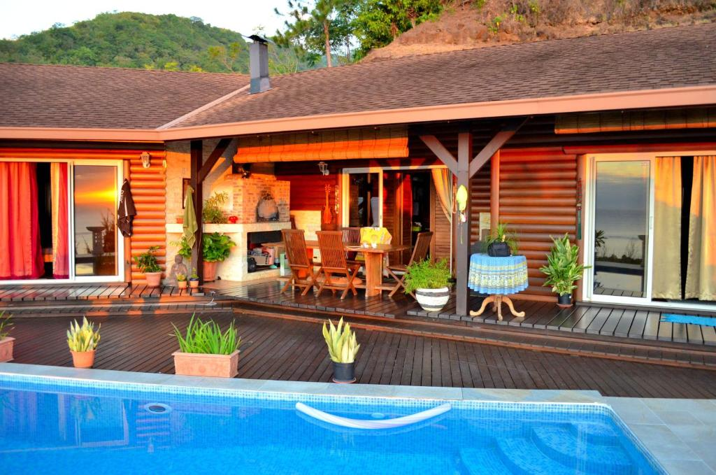 Tahiti private villa polinesia francesa paea for Villas francesas