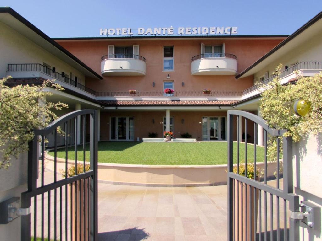 Mantova Hotel Booking