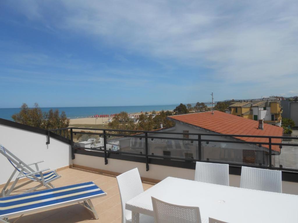 Appartamento terrazza sul mare italia vasto - Terrazzi sul mare ...