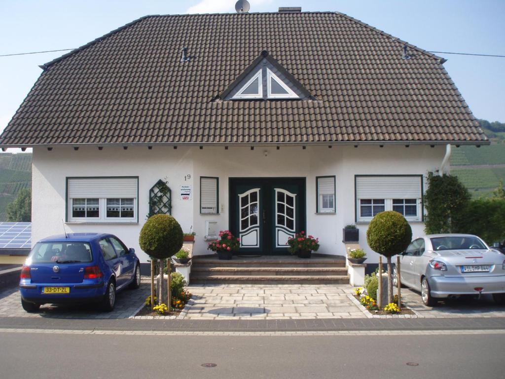 http://q-ec.bstatic.com/images/hotel/max1024x768/702/70211321.jpg