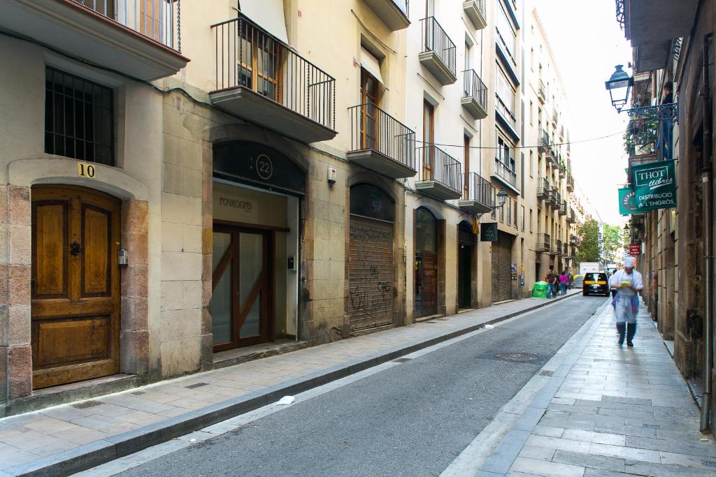 4 rooms barcelona barcelona book your hotel with