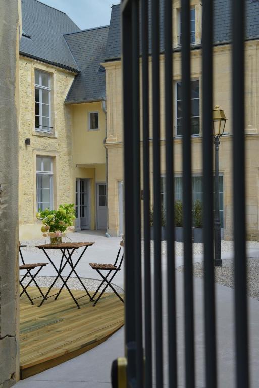 la maison de mathilde bayeux viamichelin. Black Bedroom Furniture Sets. Home Design Ideas