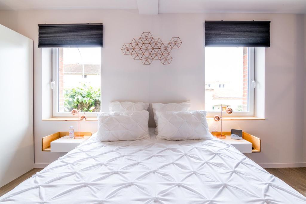 chambres d 39 h tes la maison de julia chambres d 39 h tes. Black Bedroom Furniture Sets. Home Design Ideas