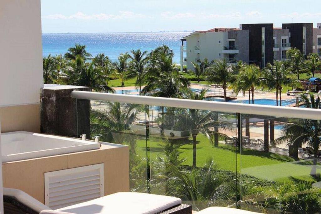 Apartamento marea azul 3 bedrooms m xico playa del carmen for Apartamentos playa azul